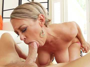 Big-Boob Mom Dee Williams Ball-Sucking Blowjob