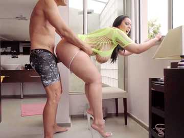 Seductive BBW in green outfit Anastasia Lux is rammed by gross boomstick